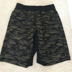 Lululemon Mens Shorts - Size L